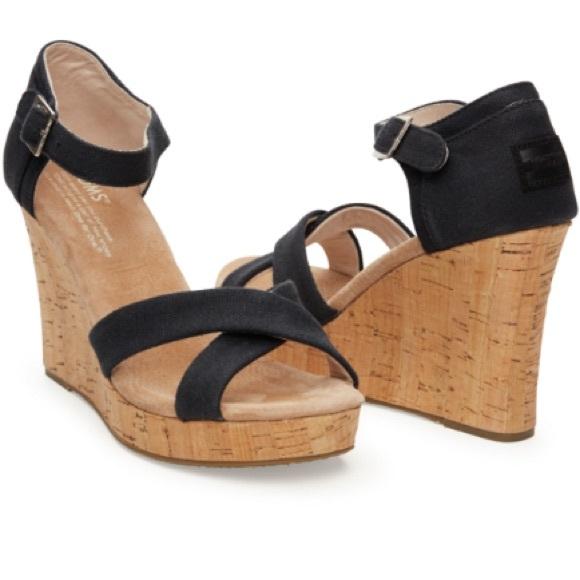 9da7e95f729 Toms Black Cork Wedge Sandals. M 5a9eedf68290af764617b2ac